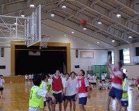 球技大会の様子です。バスケットボールです。