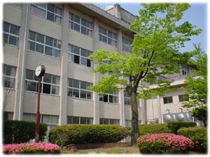 藤島高校・中庭